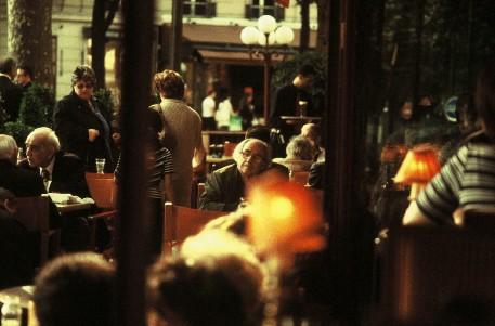 "<div class='artwork-listing'><span class='artwork-listing-artist'><a href=""/users/anton-koslov-mayr"" class=""active"">Anton Koslov Mayr</a></span>, <span class='artwork-listing-title'><a href=""/portfolio/10529/jean-baudrillard-caf%C3%A9"">Jean Baudrillard in a café</a></span>, <span class='artwork-listing-year'>2003</span>, <span class='artwork-listing-materials'>C-print</span>, <span class='artwork-listing-dimensions'>30 x 45 cm</span></div>"