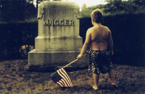 "<div class='artwork-listing'><span class='artwork-listing-artist'><a href=""/users/anton-koslov-mayr"" class=""active"">Anton Koslov Mayr</a></span>, <span class='artwork-listing-title'><a href=""/portfolio/10529/jaggers-tomb"">Jagger's Tomb</a></span>, <span class='artwork-listing-year'>1999</span>, <span class='artwork-listing-materials'>cybachrome</span>, <span class='artwork-listing-dimensions'>60x90 cm</span></div>"