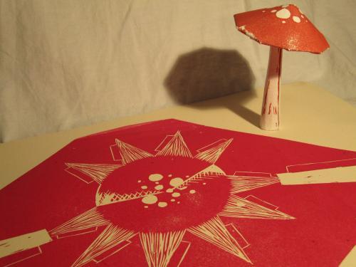 "<div class='artwork-listing'><span class='artwork-listing-artist'><a href=""/users/nicole-gayton"" class=""active"">Nicole Gayton</a></span>, <span class='artwork-listing-title'><a href=""/portfolio/11564/foldup-mushroom"">FoldUp Mushroom</a></span>, <span class='artwork-listing-year'>2011</span>, <span class='artwork-listing-materials'>fold up 3D linocut</span></div>"