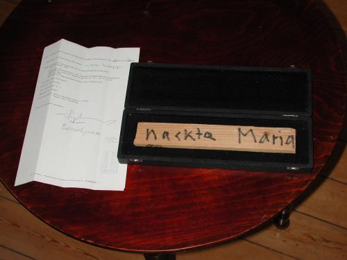 "<div class='artwork-listing'><span class='artwork-listing-artist'><a href=""/users/kurt-ryslavy"">Kurt Ryslavy</a></span>, <span class='artwork-listing-title'><a href=""/portfolio/12391/verkaufswerk-nr-02-nackte-maria"">Verkaufswerk Nr. 02 ""Nackte Maria""</a></span>, <span class='artwork-listing-year'>1993</span>, <span class='artwork-listing-materials'>Wood, handmade casket, certificate</span>, <span class='artwork-listing-dimensions'>8"" x 13"" x 2""</span></div>"