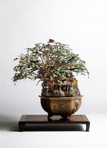 "<div class='artwork-listing'><span class='artwork-listing-artist'><a href=""/users/takanori-aiba"" class=""active"">Takanori Aiba</a></span>, <span class='artwork-listing-title'><a href=""/portfolio/12587/bonsai-0"">Bonsai-A</a></span>, <span class='artwork-listing-year'>2004</span>, <span class='artwork-listing-materials'>mixed media</span>, <span class='artwork-listing-dimensions'>15.7""x11.8""x15.7""  </span></div>"