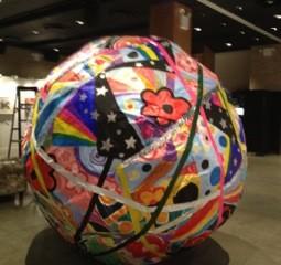"<div class='artwork-listing'><span class='artwork-listing-artist'><a href=""/users/nina-bovasso"" class=""active"">Nina Bovasso</a></span>, <span class='artwork-listing-title'><a href=""/portfolio/13753/giant-ball-2013"">Giant Ball 2013</a></span>, <span class='artwork-listing-year'>2013</span>, <span class='artwork-listing-materials'>foam core, corrugated roll, palette wrap, duct tape, craft paper and acrylic paint</span>, <span class='artwork-listing-dimensions'>7 foot diameter</span></div>"